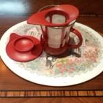 2、愛用の茶こし付マグカップ(レッド)