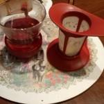 7、キリのいいところまで片付けたら茶こしを引き上げて味わいながら一息つきます